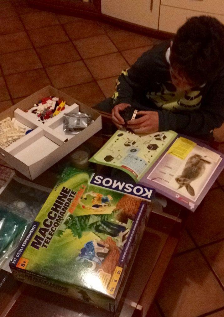 Kosmos, macchine telecomandate animali gioco kit degli esperimenti, costruire uno zoo completo di macchine che funzionano veramente tramite infrarossi. http://super-mamme.it/2017/03/30/kosmos-macchine-telecomandate-animali-gioco-kit-degli-esperimenti/