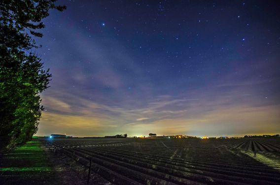 Zeeland onder de sterren. Nacht/Astrofotografie door Ricardo Bouman. www.desenho.eu