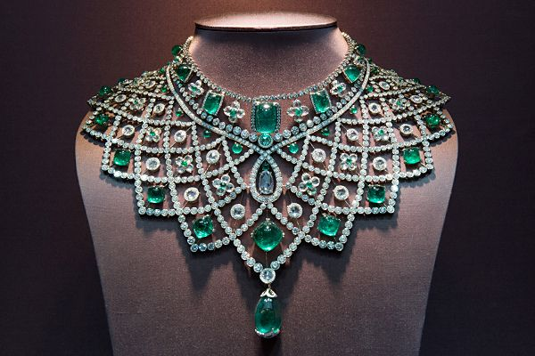 Faberge: Romanov Necklace 3.1 million Carats: 363.48 The Romanov necklace from the House of Faberge took 14 months to make and recreates a design from 1885. It contains 79 emeralds and 1991 diamonds that total 363.48 carats.