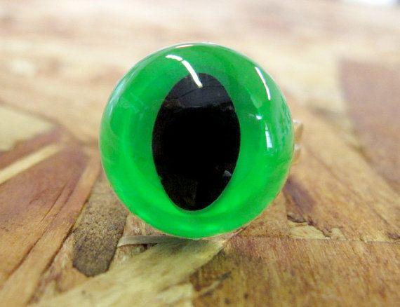 Neon Green Cat Eye Ring by PrettySnake on Etsy
