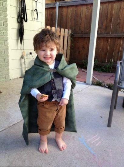 """Il papà è appassionato de""""Il Signore degli anelli""""? Ecco un piccolo #Hobbit"""
