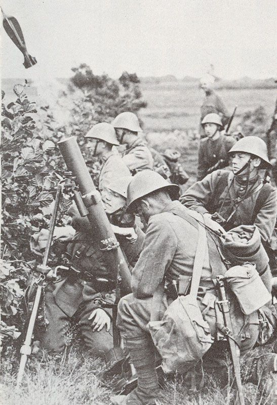 Dutch Mortar team in action, 1940