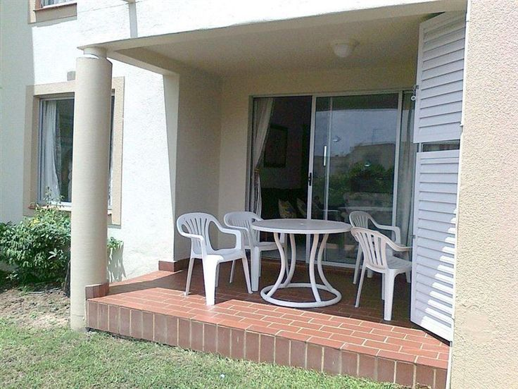 Laguna La Crete Flat 174 Uvongo - Situated along Margate's scenic coastline, Laguna La Crete Flat 174 Uvongo offers comfortable accommodation.  It is a great choice for groups hoping for a pleasant seaside holiday in the area of Beacon ... #weekendgetaways #margate #southafrica