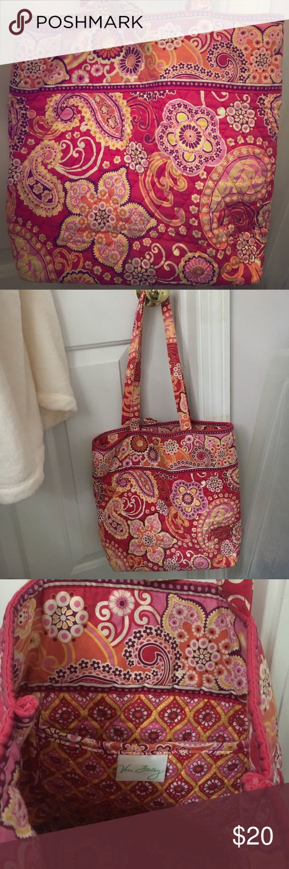 Vera Bradley tote bag New condition Vera Bradley tote bag. Button closure on top, inside pocket. Great size for everyday use Vera Bradley Bags Totes