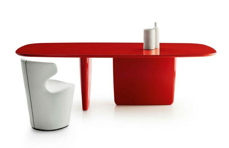 Tobi-Ishi design by Barber & Osgerby #bebitalia #design #interiordesign #italiandesign