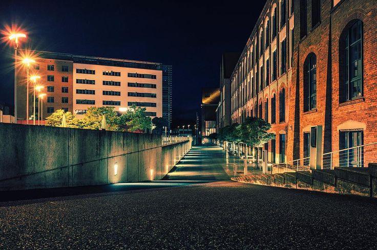 HANNOVER List Pelikanviertel  #hannoverliebt #perspectives #hannoverstagram #hannover #germany  #longtimeexposure #mystery #fujixt2 #fujilove #fujilovers #fuji16mm #urbanexploration #citylights #cityscape  #pelikanviertel