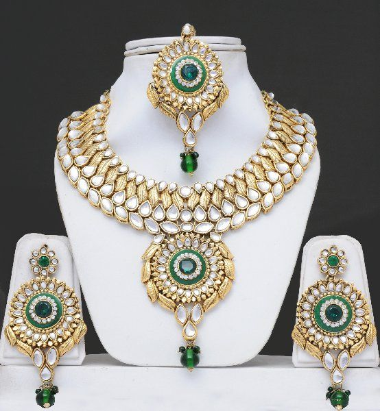 Bridal Kundan Jewelry Set With Stones & Meenakari