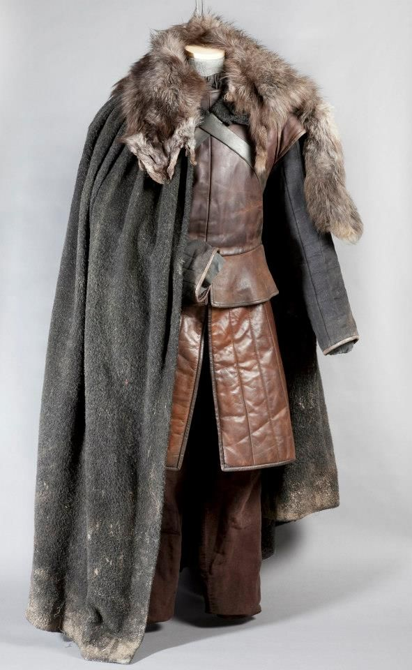 Game-of-Thrones-Exhibition-Props-and-Costumes-game-of-thrones-33866653-591-960.jpg (591×960)