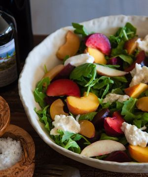 The yummiest fruit recipe salad you'll find all summer