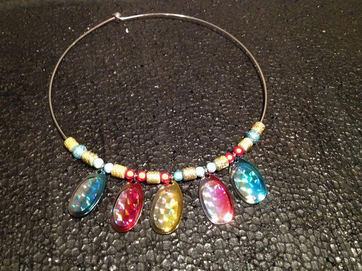 collier leurres de pêche et perles fantaisies : Collier par petites-bidouilles-en-fimo