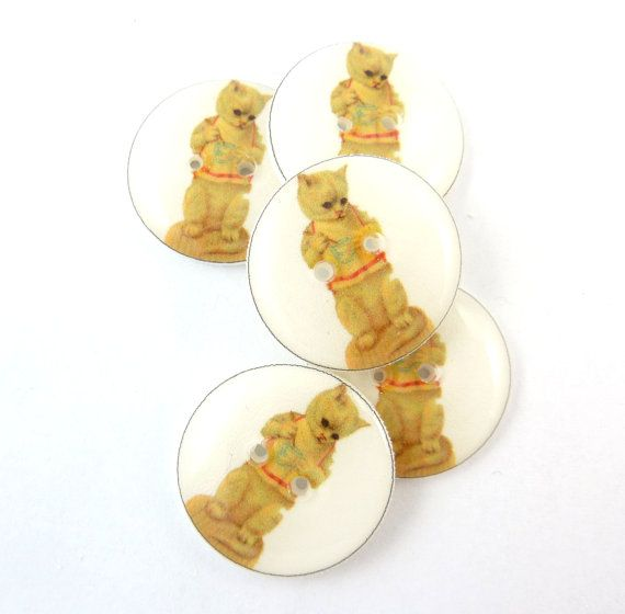 5 Cat Buttons.  3/4 or 20 mm round.   Vintage by TimesNotForgotten