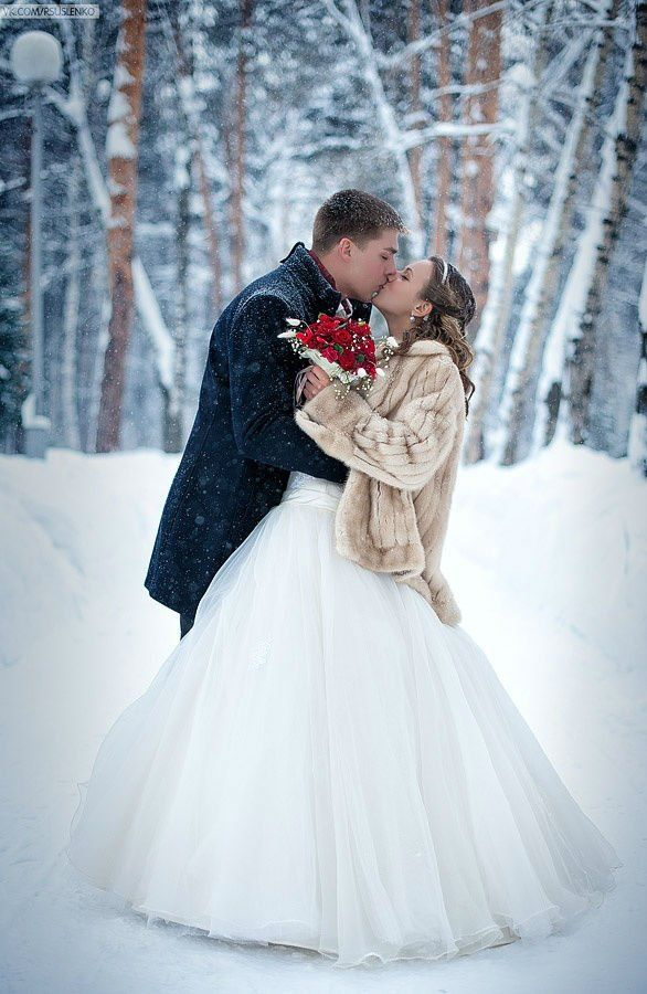 winter wonderland wedding south africa%0A Winter can be the best time of the year to get married  While it is more  comfortable to pose in fall foliage  among fresh spring flowers or under  summer su