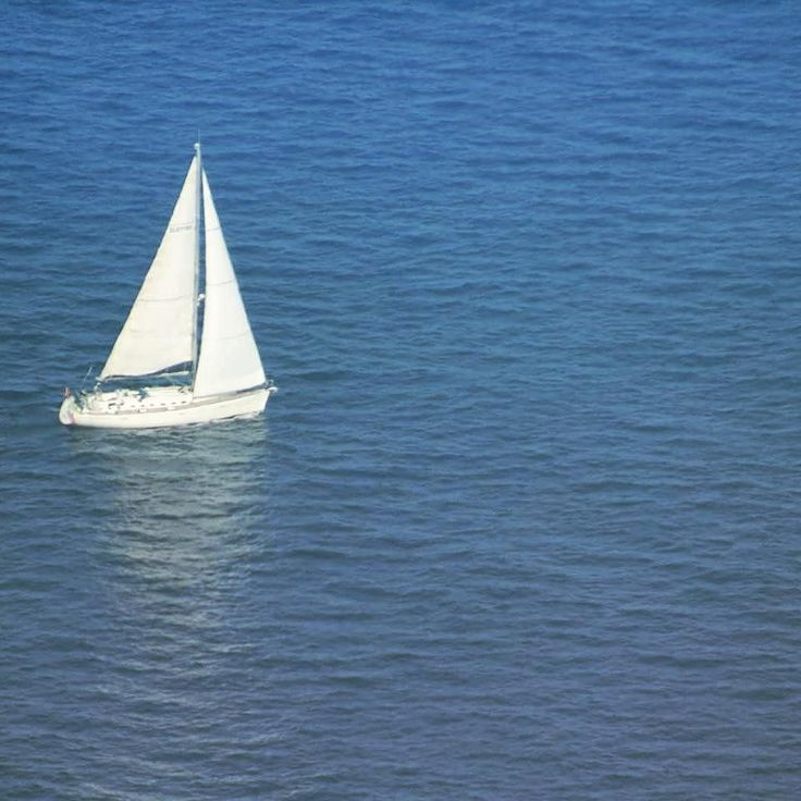 So di essere diverso dal mondo intero...e ne sono fiero #barca #sea #ocean #mediterraneo #golfo #palermo #only #lonely #white #barcavela #vela #mare #blue #instagram #boat #sailboat #sail #world #italia #immensitá #facebook #scatto #photo #picture #giorno #pirate #iphone by marsh_e_mallow