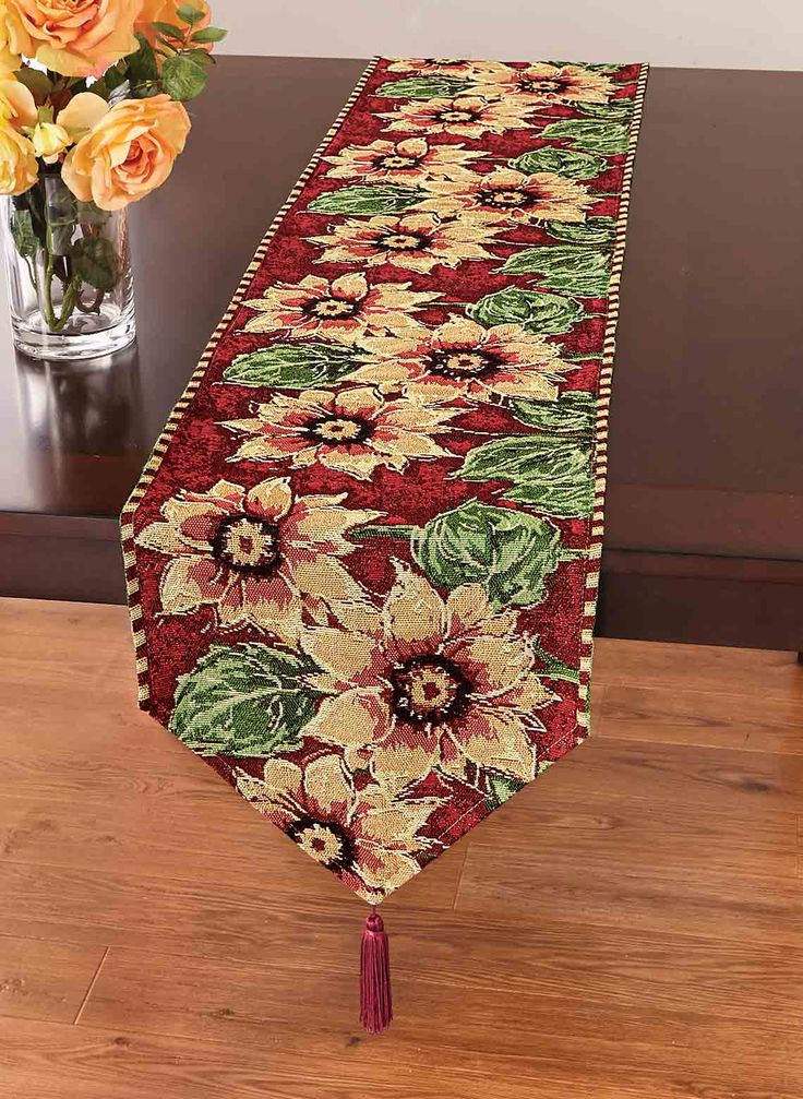 Best 25 dining room table runner ideas ideas on pinterest Dining room table runner ideas
