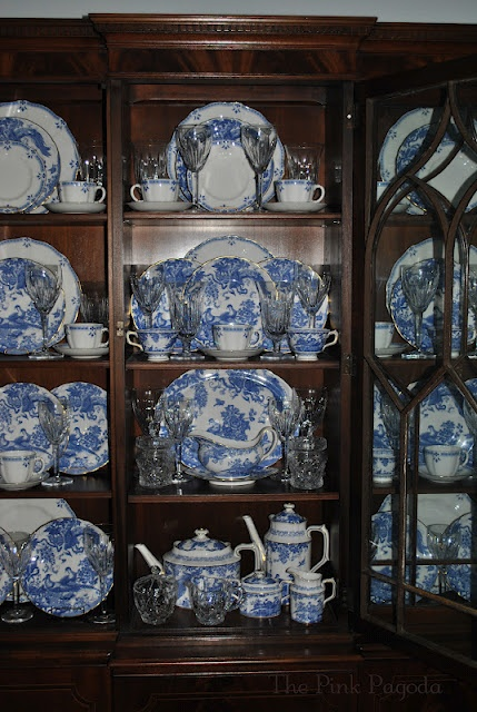 Marvelous Best 25+ Blue China Cabinet Ideas On Pinterest | China Cabinets, China  Cabinet And China Cabinet Redo
