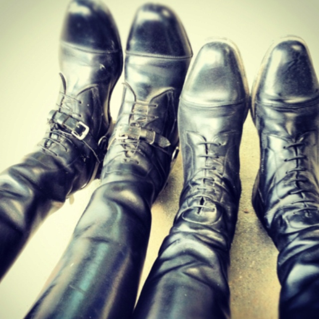 cool pic to take with my friends in our English/western boots. Love the left ones.