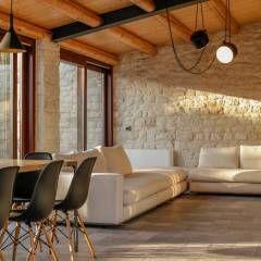 Casa Salina : Soggiorno in stile In stile Country di Viviana Pitrolo architetto