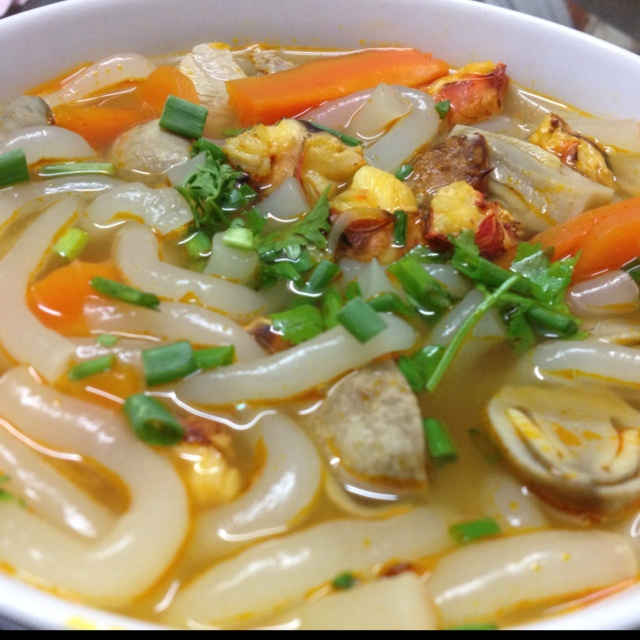 Vietnamese Udon Soup (Banh Canh)