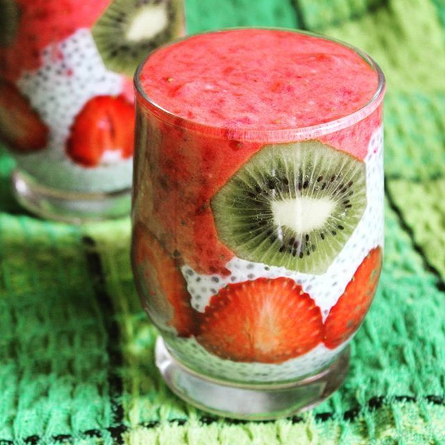 #przepisyonline#chia#kiwi#deser#fit#owoce#homemadefood#homemade#desert#fit#foodblogger#healthylifestyle#healthyeating#heathlyfood#healthy#healthychoices#yummy#yummyfood#healthyliving#foodphotography#food#foodpic#goodfood#tasty#strawberries#foodie#healthyfood#foodgasm
