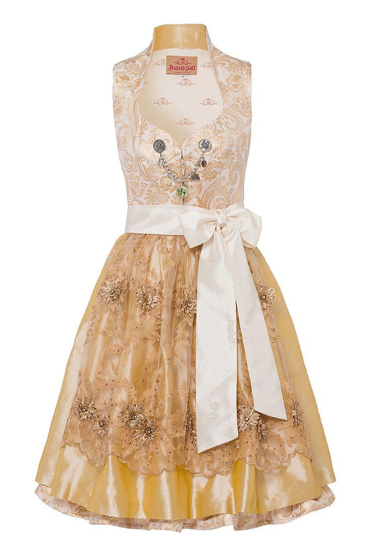 Das Dirndl »Marry Me« von Astrid Söll lässt Herzen höher schlagen! Denn wer Trachtenkleider mag, wird dieses Midi-Dirndl auf Anhieb lieben. Kein Wunder bei der Farbauswahl und Texturmischung. Wie für eine Wiesn-Prinzessin gemacht...