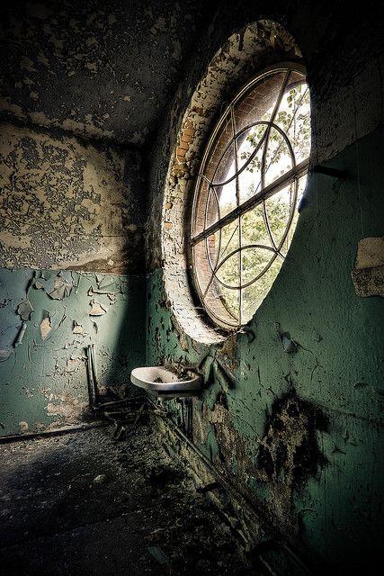 Beelitz Circular Window by Ole Begemann