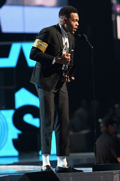 Chance the Rapper Photos Photos - Chance The Rapper accepts the Humanitarian Award onstage at 2017 BET Awards at Microsoft Theater on June 25, 2017 in Los Angeles, California. - 2017 BET Awards - Roaming Show
