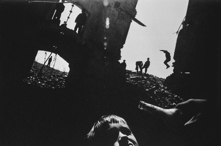 Nicolai Fuglsig - 1999 Photo Contest   World Press Photo