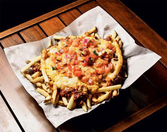 """Batata Frita """"Chili cheese fries"""", do Applebee's - SP"""