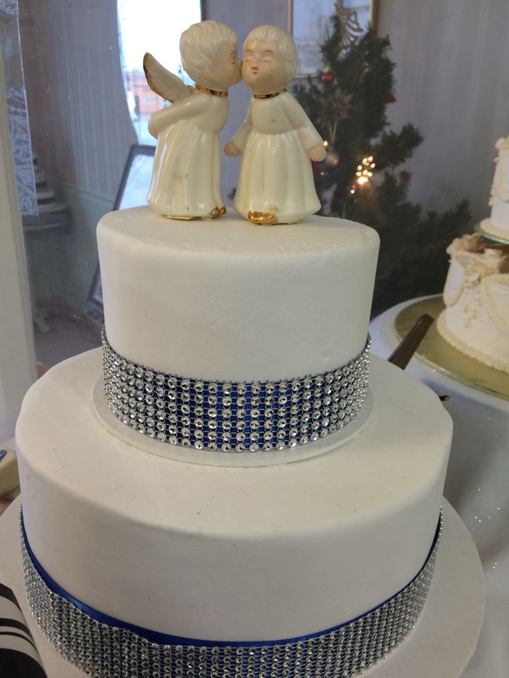 crystals and bling by beaverton bakery wedding cakes