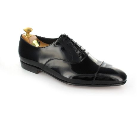 Chatham, a straight cap oxford made from black patent leather and lightweight cemented leather soles for elegance. The classic formal shoe from the Men's Main Collection.