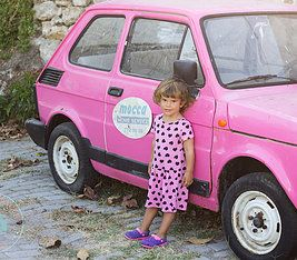 #yesimsaracerphotography #pink #girl #pinkcar #pinkdress www.yesimsaracer.com