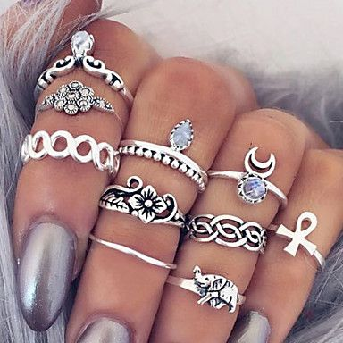 A must have rings set for your next beach holidays! Would you dare to wear it? Repin to save it!