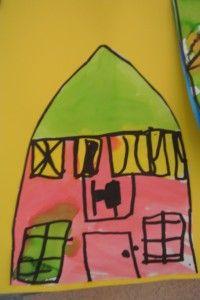 * Teken met zwarte stift je huis na van de foto. Kleur het daarna in met ecoline.