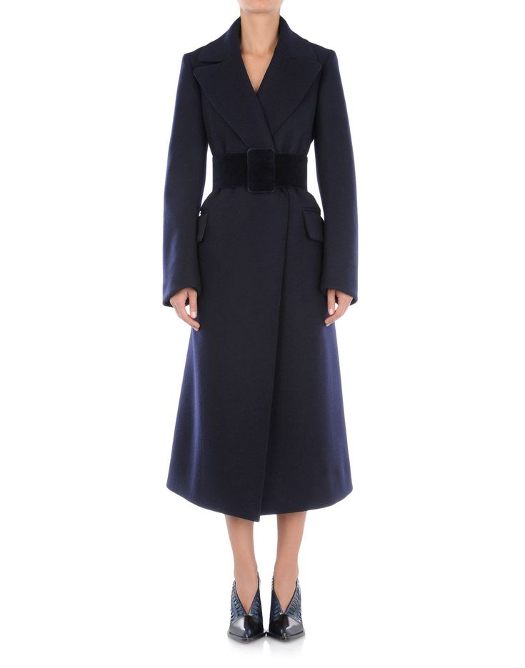 Love the 1940s style of this coat. JIL SANDER Online Store.