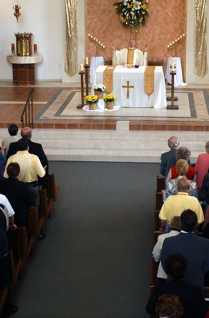 https://flic.kr/p/6wQ7rR | Father Roger During the Eucharist | Photos by Tim McKenna.