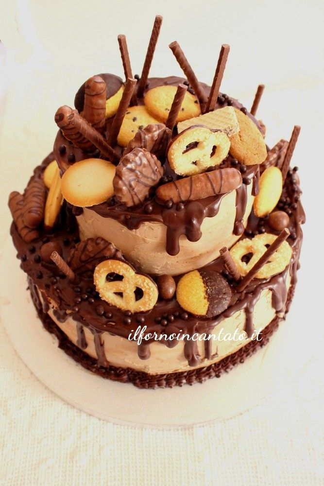 ... torte decorate: drip cake. Una torta che rende doloranti le mandibole