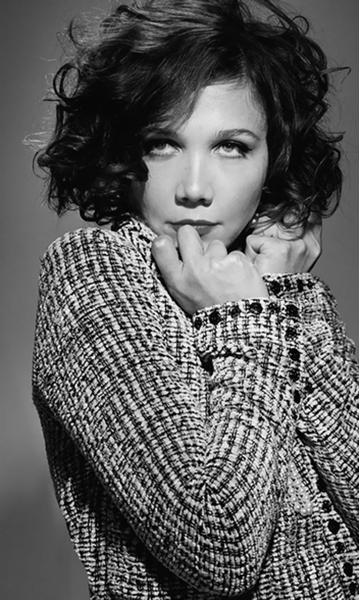 Maggie Gyllenhaal by Danielle Levitt (in black & white) http://www.daniellelevitt.com/categories/13-celebrity