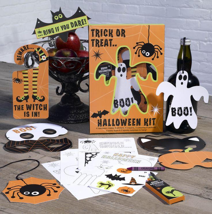 Happy Halloween Trick or Treat Kit Dette settet inneholder alt du trenger til en skummel kveld. Masker, tegninger, fargestifter, skilt, overraskelse http://www.multitrend.no/Trick-or-Treat-Kit-Happy-Halloween/cat-p/c1000078/p10501237