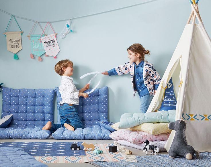 Vertbaudet floor cushions, perfect for a reading corner or used in a teepee. Bear Wall Mount, perfect for a child's bedroom or nursery. View the blog to create the perfect scandi children's bedroom with homeware from Vertbaudet