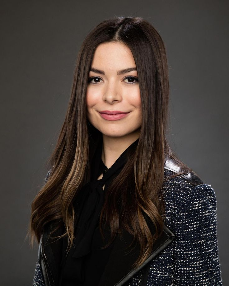 Miranda Cosgrove-UHQ (4618 x 5773) HBO Free Trial (Watch Game of Thrones FREE!)