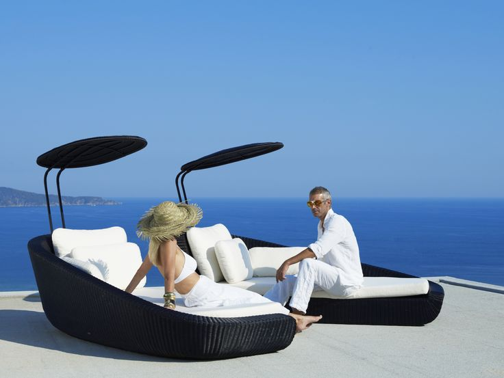 Savannah daybeds by @caneline. udendørs lounge, sun bed, sol seng