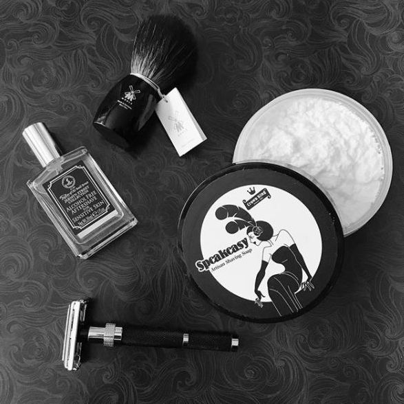 Black power and a perfect shaving experience! #shavingproducts #shavingbrush #safetyrazor #shavingsoap #aftershave #shavingtime #traditionalshaving