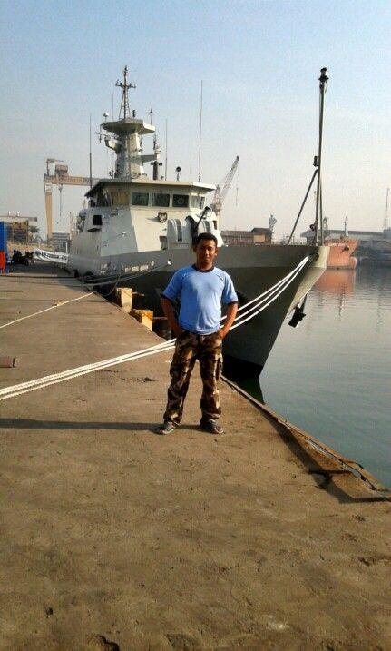 Aku dan kapal perang