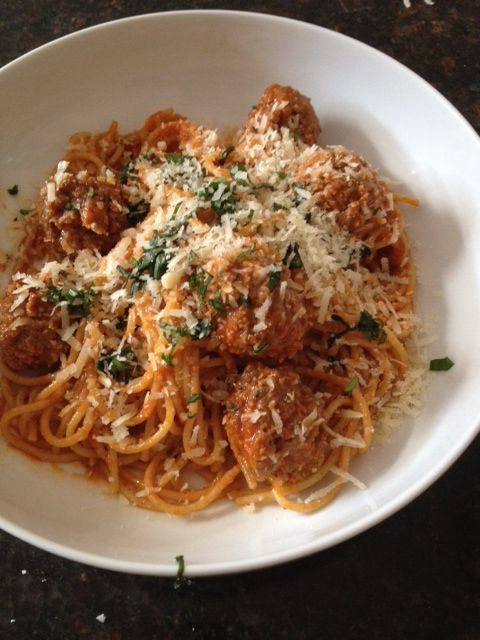 Spagetti with veal meatballs