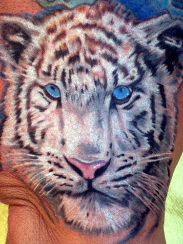 33 best siberian tiger tattoos images on pinterest siberian tiger tattoo ideas and tiger tattoo. Black Bedroom Furniture Sets. Home Design Ideas