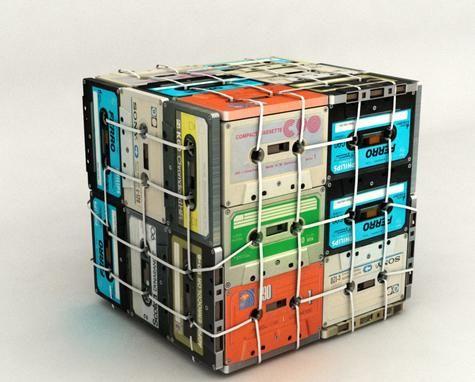 Mesa auxiliar Cassette 70 Euros: http://www.decojondepato.com/Mesa-auxiliar-Cassette-402