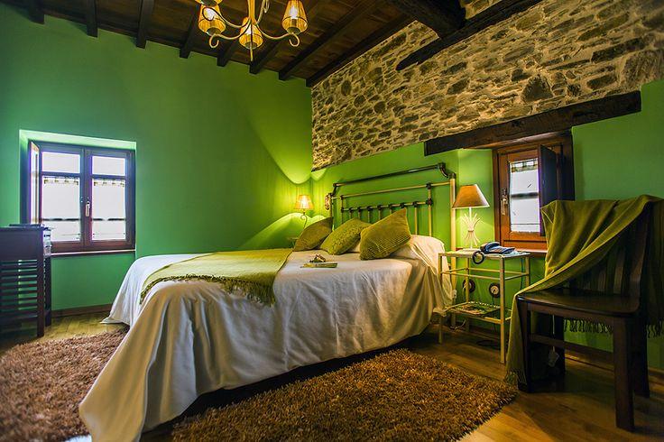 A Comedeira, una de las Habitaciones de A Casa de Piego. Turismo rural en A Mariña lucense. LUGO - Galicia.