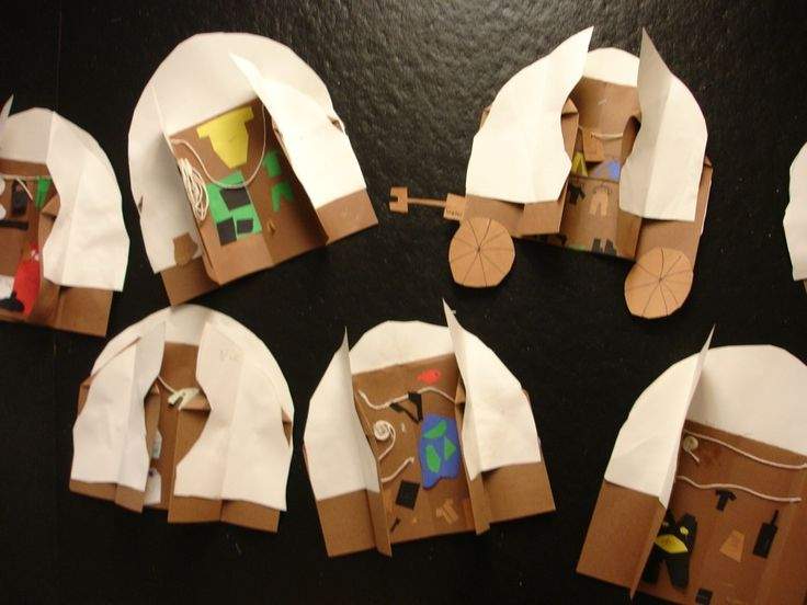 Learning Is Messy – Covered wagon craft.  Page also has desktop wagon project