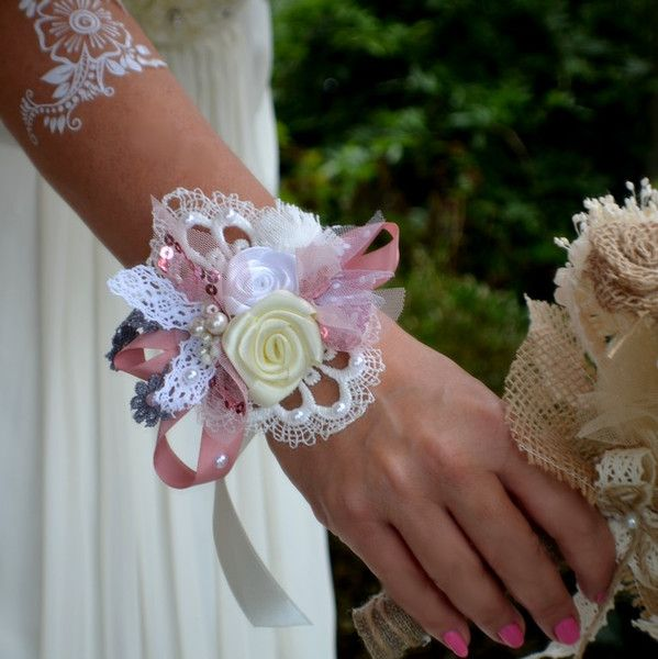 Brautschmuck - Hochzeit armband shabby chic pink - ein Designerstück von Wandadesign bei DaWanda
