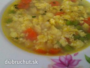 Zeleninová kari polievka s vajíčkom